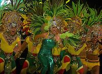 BARRANQUILLA-COLOMBIA- 11-02-2017: Comparsa Rumbón Normalista participante en La Fiesta de Danzas y Cumbias del Carnaval de Barranquilla 2016 invita a todos los colombianos a contagiarse del Jolgorio general encabezado por su reina Marcela Garcia Caballero. Este desorden organizado dará la oportunidad de apreciar a propios y extraños el desfile de danzas, disfraces y hacedores del carnaval que la convierten en una de las festividades más importantes del país y que se lleva a cabo hasta el 9 de febrero de 2016. / Rumbon Normalista comparsa paticipant of The party of Dances and Cumbias of Carnaval de Barranquilla 2016 invites all Colombians to catch the general reverly led by their Queen Marcela Garcia Caballero. This organized disorder gives the oportunity to appreciate, by friends and strangers, the parade of dancers, customes and carnival makers that make it one of the most important festivals of the country and take place until February 9, 2016.  Photo: VizzorImage / Alfonso Cervantes / Cont