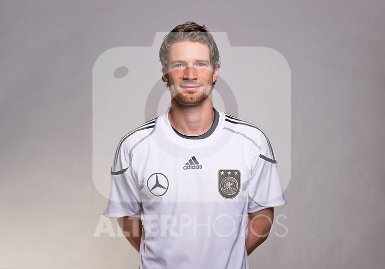 02.06.2010, Commerzbank-Arena, Frankfurt, GER, FIFA Worldcup, Spielerportraits, im Bild Arne Friedrich ( Hertha BSC #03 )  Foto © nph / Kokenge
