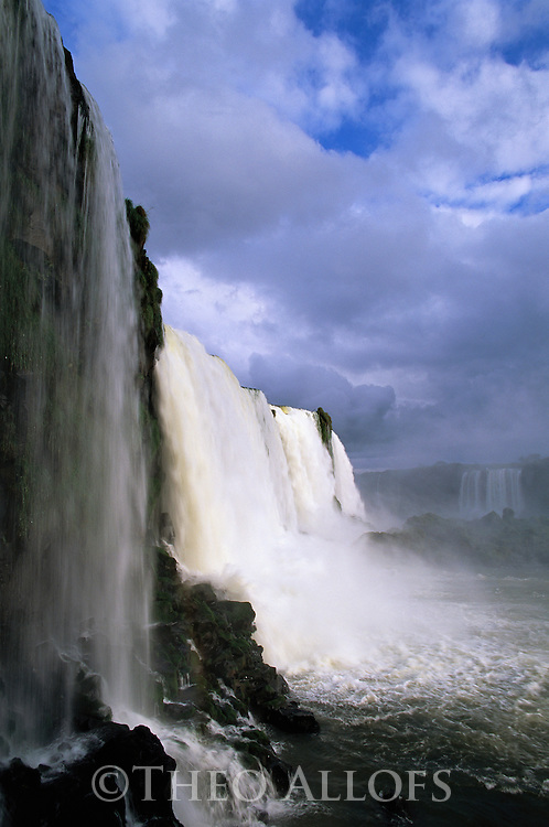Brazil, Iguacu Falls, side view