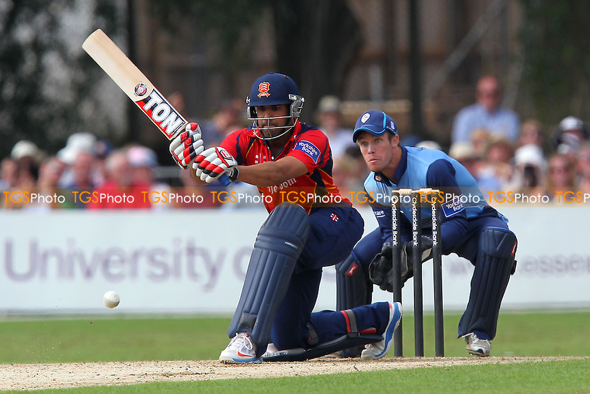 Ravi Bopara in batting action for Essex as Richard Johnson looks on - Essex Eagles vs Derbyshire Falcons - Yorkshire Bank YB40 Cricket at Castle Park, Colchester Cricket Club - 25/08/13 - MANDATORY CREDIT: Gavin Ellis/TGSPHOTO - Self billing applies where appropriate - 0845 094 6026 - contact@tgsphoto.co.uk - NO UNPAID USE