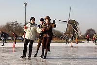 Senioren schaatsen inn Noord-Holland