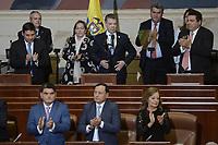 BOGOTÁ -COLOMBIA. 20-07-2017: Juan Manuel Santos (C) Presidente de Colombia, recibe aplausos por su gestión durante la ceremonia de instalación de la legislatura 2017 2018 del Congreso de la República de Colombia realizado hoy, 20 de julio de 2017, en el salón Elíptico del Capitolio Nacional de Colombia en la ciudad de Bogotá. / Juan Manuel Santos (C) President of Colombia, areceives aplause for his managenment during the ceremony of installation of the Legistature 2017 2018 of the Congress of the Republic of Colombia made today,  July 20 2017, at Ellipptical room of the National Capitol of Colombia in Bogota city . Photo: VizzorImage/ Gabriel Aponte / Staff