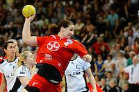 Stefanie Egger (TSV) beim Wurf, zieht ab