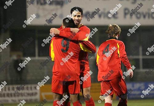 2010-03-10 / Seizoen 2009-2010 / Voetbal / Royal Kapellen FC - KSK L Ternat / Vreugde na het doelpunt van Hamid Bouyfoulkitne van Kapellen..Foto: mpics