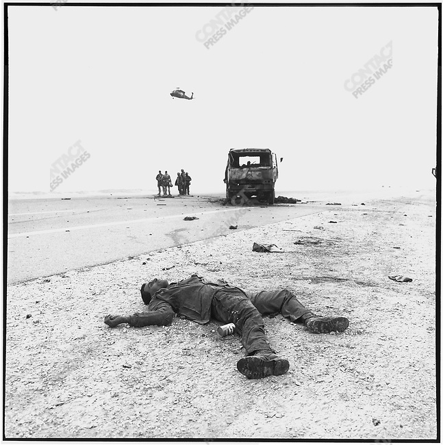 Iraqi casualties, Highway 8, near An Nasiriyah, Iraq, February 28, 1991