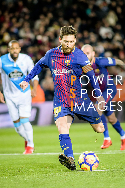 Lionel Messi of FC Barcelona kicks a penalty during the La Liga 2017-18 match between FC Barcelona and Deportivo La Coruna at Camp Nou Stadium on 17 December 2017 in Barcelona, Spain. Photo by Vicens Gimenez / Power Sport Images