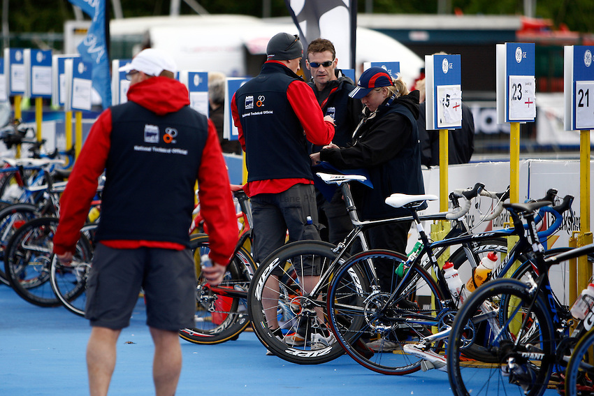Photo: Richard Lane/Richard Lane Photography. GE Strathclyde Park Triathlon. 22/05/2011. Elite Men race officals.
