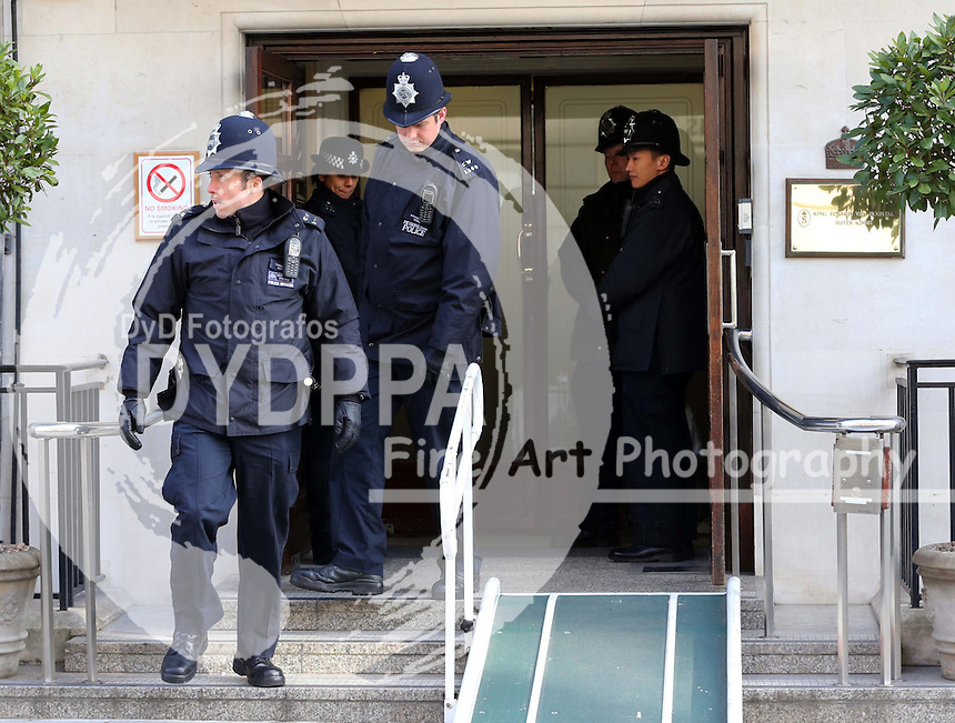 Police outside the King Edward VII hospital in London , Monday, 4th March 2013, where The Queen was admitted on Sunday.  Photo by: Stephen Lock / i-Images / DyD Fotografos