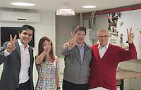 SÃO PAULO,SP,02.10.2016 - ELEIÇÕES-SÃO PAULO - Fernando Haddad candidato à reeleição prefeitura de São Paulo, acompanhado de sua esposa Ana Estela de seu candidato a vice Gabriel Chalita, e do secretario Eduardo Suplicy é visto registrando seu voto no colégio Brazilian Internacional School no bairro de Moema região sul de São Paulo,neste domingo 02. ( Foto : Marcio Ribeiro/Brazil Photo Press)