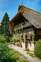 Germany, Baden-Wurttemberg, Black Forest, Zell at Harmersbach, district Unterharmersbach: museum of local history Fuerstenberger Hof housing the Black Forest Peasant Museum | Deutschland, Baden-Wuerttemberg, Schwarzwald, Zell am Harmersbach, Ortsteil Unterharmersbach, im Ortenaukreis: Heimatmuseum Fuerstenberger Hof mit Schwarzwaelder Bauernmuseum