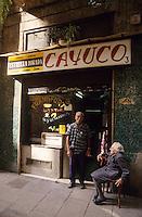 Europe/Espagne/Catalogne/Barcelone : Calle del Vitrero - Scène de rue