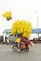 February 10, 2016 - Kep (Cambodia). A balloons seller on the beach of Kep, in the south of Cambodia. © Thomas Cristofoletti / Ruom