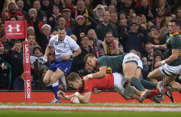 Wales' Liam Williams scores his side's second try<br /> <br /> Photographer Ian Cook/CameraSport<br /> <br /> Under Armour Series Autumn Internationals - Wales v South Africa - Saturday 24th November 2018 - Principality Stadium - Cardiff<br /> <br /> World Copyright © 2018 CameraSport. All rights reserved. 43 Linden Ave. Countesthorpe. Leicester. England. LE8 5PG - Tel: +44 (0) 116 277 4147 - admin@camerasport.com - www.camerasport.com