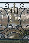 20050123 - France - Saint-Germain-en-Laye<br />LA TERRASSE : INSIGNE DE NAPOLÉON 3, DU COTÉ DU PAVILLON HENRI IV<br />Ref:SAINT-GERMAIN-EN-LAYE_047 - © Philippe Noisette