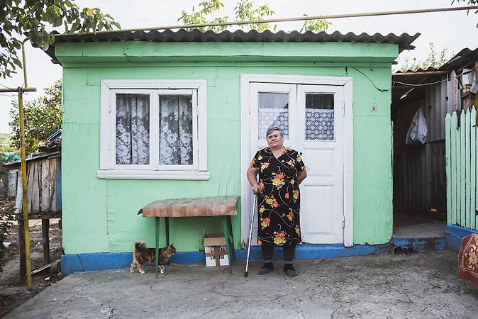 In ländlichen Regionen sind die Menschen von Armut betroffen, dabei trifft es vor allem die ältere Generation. Viele haben kein fließendes Wasser oder einen Anschluss zur Kanalisation. Das Wasser holt man noch vom Ziehbrunnen.