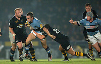 2005/06 Powergen Cup, London Wasps vs Cardiff Blues, Ryan Powell breaks through the gap.  Causeway Stadium, Wycombe, ENGLAND, 07.10.2005   © Peter Spurrier/Intersport Images - email images@intersport-images..   [Mandatory Credit, Peter Spurier/ Intersport Images].