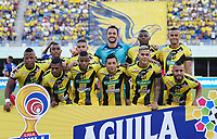 BARRANCABERMEJA - COLOMBIA, 22-09-2019: Jugadores del Alianza posan para una foto previo al partido por la fecha 12 de la Liga Águila II 2019 entre Alianza Petrolera y Unión Magdalena jugado en el estadio Daniel Villa Zapata de la ciudad de Barrancabermeja. / Players of Alianza pose to a photo prior match for the date 12 as part of Aguila League II 2019 between Alianza Petrolera and Union Magdalena played at Daniel Villa Zapata stadium in Barrancabermeja city. Photo: VizzorImage / Jose Martinez / Cont
