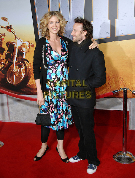 "JENNA ELFMAN & BODHI ELFMAN.attends The Touchstone Pictures' World Premiere of ""Wild Hogs"" held at The El Capitan Theatre in Hollywood, California, USA, February 27 2007. .full length pregnant .CAP/DVS .©Debbie VanStory/Capital Pictures"