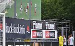 FussballFussball: agnph001:  1. Bundesliga Saison 2019/2020 27. Spieltag 23.05.2020<br />SC Freiburg - SV Werder Bremen<br />Die SV Werder Bremen Spieler; Torwart Jiri Pavlenka, Maximilian Eggestein, Fin Bartels und Niklas Moisander (v.re.) schauen sich auf dem Weg in die Kabine die Parade von Torwart Jiri Pavlenka (li oben) 9n der Schlussminute des Spiel auf der Videowand im Schwarzwald-Stadion an<br />FOTO: Markus Ulmer/Pressefoto Ulmer/ /Pool/gumzmedia/nordphoto<br /><br />Nur für journalistische Zwecke! Only for editorial use! <br />No commercial usage!