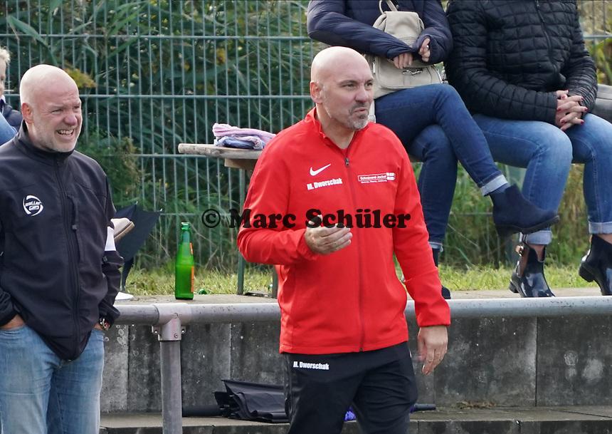 Trainer Matthias Dworschak (SKV Büttelborn) - Büttelborn 03.10.2019: SKV Büttelborn vs. FSG Riedrode, Gruppenliga Darmstadt