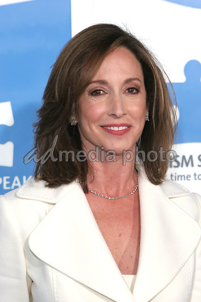 "24 September 2005 - Hollywood, California - Lilly Tartikoff.  Jerry Seinfeld and Paul Simon Perform ""One Night Only: A Concert for Autism Speaks"" - Arrivals held at the Kodak Theatre.  Photo Credit: Zach Lipp/AdMedia"