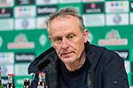 13.04.2019, Weserstadion, Bremen, GER, 1.FBL, Werder Bremen vs SC Freiburg<br /> <br /> DFL REGULATIONS PROHIBIT ANY USE OF PHOTOGRAPHS AS IMAGE SEQUENCES AND/OR QUASI-VIDEO.<br /> <br /> im Bild / picture shows<br /> Christian Streich (Trainer SC Freiburg) bei PK / Pressekonferenz nach Spielende, <br /> <br /> Foto © nordphoto / Ewert
