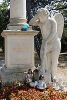Friedhof St.Marx, Grab von Mozart, Wien, &Ouml;sterreich<br /> Cemetery St. Marx, tomb of Mozart, Vienna, Austria