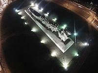 SAO PAULO, SP, 23/03/2013, MONUMENTO A BANDEIRAS ACESSO. Na Hora do Planeta varios monumentos serao apagados, na foto o Monumento as Bandeiras que fica no Pq. do Ibirapuera. LUIZ GUARNIERI/BRAZIL PHOTO PRESS.