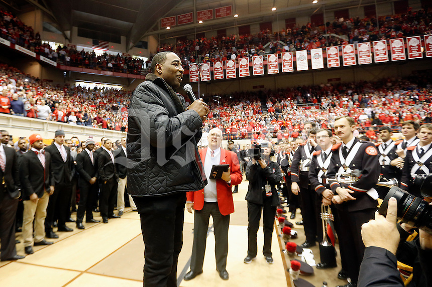 Former Ohio State Buckeye star Cris Carter  fires up the crowd at Skull Session at St. John Arena before their game against Michigan Wolverines at Ohio Stadium in Columbus, Ohio on November 29, 2014.  (Dispatch photo by Kyle Robertson)