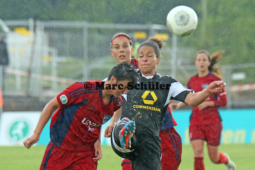 Abby Erceg (Jena) gegen Celia Sasic (FFC) - 1. FFC Frankfurt vs. USV FF Jena