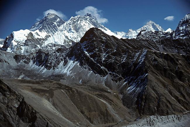 Mount Everest, World's Highest Mountain, 29,029 feet,8848 meters, Himalayan Mountains, Nepal, Asia,  Sagarm?th? (Nepali), Chomolungma or Qomolangma (Tibetan) or Zhumulangma (Chinese)