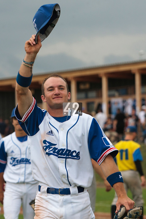 26 july 2010: Joris Bert of France thanks the crowd after France 10-2 victory over Ukraine, in day 4 of the 2010 European Championship Seniors, in Neuenburg, Germany.