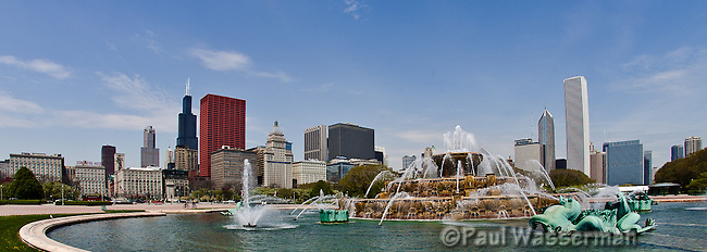 Wide Angle panorama of Chicago's Buckingham Fountain and Skyline