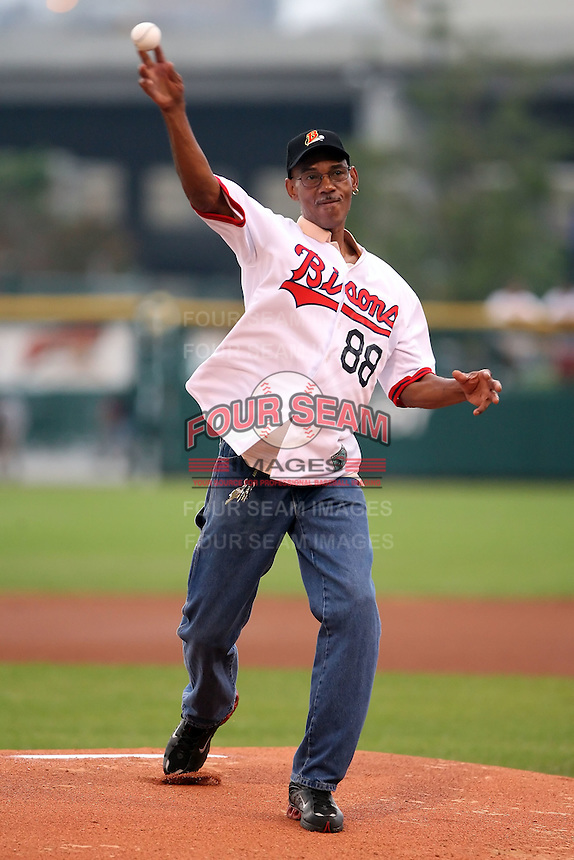 August 25th, 2007:  Dorn Taylor throws out a pitch during the 2007 Buffalo Bisons Hall of Fame Induction at Dunn Tire Park in Buffalo, NY.  Photo by Mike Janes/Four Seam Images