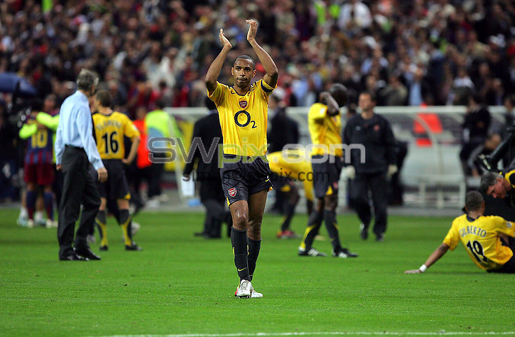 Picture by Dave Winter/SWpix.com - Football - Champions League Final - FC Barcelona v Arsenal FC - Stade de France, Paris, France - 17/05/06...Copyright - Simon Wilkinson - 07811 267706...Arsenal's Thierry Henry shows his appreciation to the Arsenal supporters.