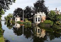 Theekoepels aan het water in Edam