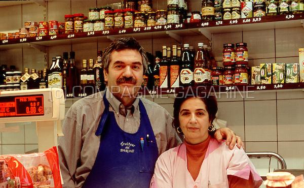 "Italian traiteur and food store ""Dal Barone"" in the rue de Flandre, Brussels centre (Belgium, 13/10/2006)"
