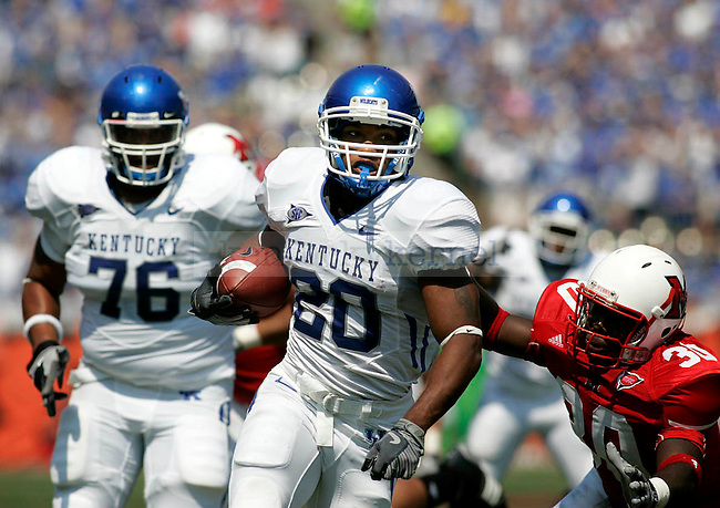 UK junior tailback Derrick Locke rushes 16 yards and scores a touchdown during the game against Miami-Ohio on Saturday, Sept. 5, 2009 at Paul G. Brown Stadium in Cincinnati, Ohio. At half-time the Cats were up 27-0. Photo by Allie Garza | Staff