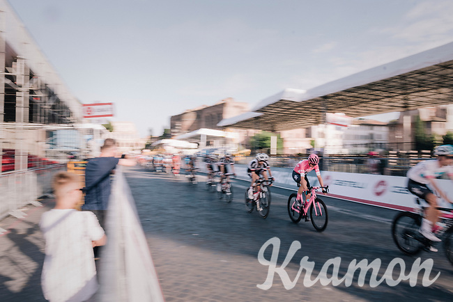 Maglia Rosa / overall leader Chris Froome (GBR/SKY) speeding along in pink<br /> <br /> stage 21: Roma - Roma (115km)<br /> 101th Giro d'Italia 2018