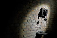 Roma, 24 Marzo 2016.<br /> Il telefono<br /> Apre al pubblico il bunker dei Savoia.<br /> Il rifugio antiaereo dei Savoia fu costruito nel parco di Villa Ada nel 1940-42. Di forma circolare e a circa 200 m. di profondità, era accessibile alle auto e dotato di un efficace sistema di impianto di aerazione e filtraggio, azionabile anche in assenza di energia elettrica.<br /> <br /> Rome, March 24, 2016 .<br /> Opening to the public the Savoy bunker.<br /> The air-raid shelter of the Savoy was built in the park of Villa Ada in 1940-42 . Circular in shape and about 200 m . depth , was accessible to cars and equipped with an effective ventilation system and filtering system , also operable in the absence of electricity .