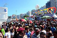 """RIO DE JANEIRO, RJ, 16.11.2014 - PARADA GAY RIO DE JANEIRO - Com o lema """"Somos milhões de vozes"""", a Parada do Orgulho LGBT do Rio de Janeiro, chega a sua 19ª edição neste domingo (16), na orla da praia de Copacabana, zona sul do Rio de Janeiro. Mais uma vez gays, lésbicas, bissexuais, travestis, transexuais e simpatizantes tomarão as ruas em uma festa pelo amor livre e pelo respeito à diversidade. O público será embalado por música eletrônica, pop e MPB mixadas por DJs a bordo dos trios elétricos. (Foto: Jorge Hely / Brazil Photo Press)."""