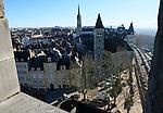 20080110 - France - Aquitaine - Pau<br /> VUES DEPUIS LE CHATEAU DE PAU SUR LA VILLE, LE GAVE ET LES PYRENEES.<br /> Ref : PAU_058.jpg - © Philippe Noisette.