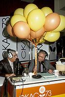 Roger Baulu et Gilles Proulx en direct sur les ondes de CKAC<br /> circa 1985  (date exacte inconnue)<br /> <br /> PHOTO : Agence Quebec Presse