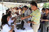 BUCARAMANGA -COLOMBIA. 25-05-2014. Los ciudadanos de Bucaramanga se acercaron alas urnas para votar durante la jornada de elecciones Presidenciales en en Colombia que se realizan hoy 25 de mayo de 2014 en todo el país./ The citizens of Bucaramanga come in to the urns to vote during the day of Presidential elections in Colombia that made today May 25, 2014 across the country. Photo: VizzorImage / Duncan Bustamante /Str