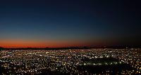Vista panoramica de Hermosillo, Sonora Mexico y el cerro de la campana al anochecer.<br /> <br /> <br /> Panoramic view of Hermosillo, Sonora Mexico and the hill of the bell at nightfall.