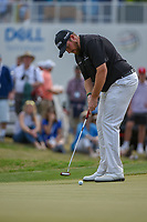 Shane Lowry (IRL) watches his putt on 15 during day 2 of the WGC Dell Match Play, at the Austin Country Club, Austin, Texas, USA. 3/28/2019.<br /> Picture: Golffile | Ken Murray<br /> <br /> <br /> All photo usage must carry mandatory copyright credit (© Golffile | Ken Murray)