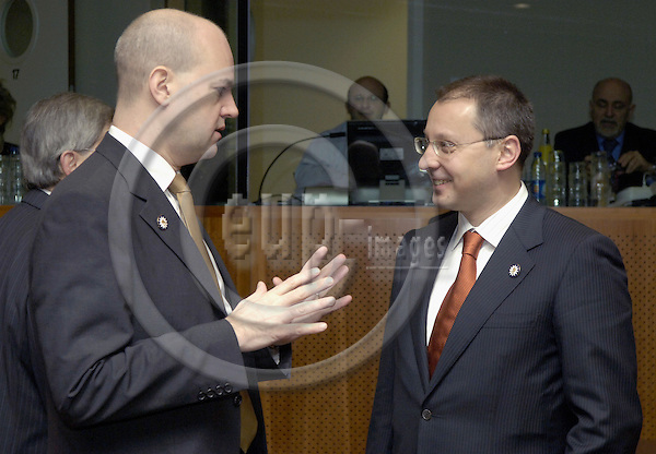 Brussels-Belgium - 15 December 2006---European Council, second day of the summit under the Finnish Presidency; here, Fredrik REINFELDT (le), Prime Minister of Sweden, with Sergei STANISHEV (ri), Prime Minister of Bulgaria---Photo: Horst Wagner/eup-images