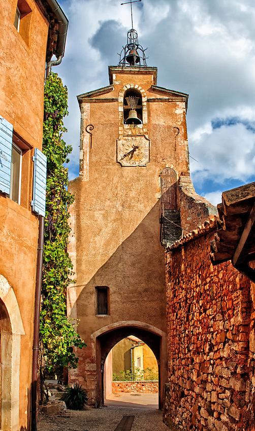 Clock tower (tour de l'horloge) in Roussillon