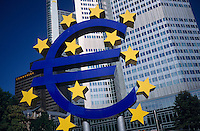 "Europa Deutschland DEU Frankfurt am Main .EZB europaeische Zentralbank Euro Zeichen  -  Finanzwirtschaft Finanzzentrum Geldwirtschaft Bankwirtschaft Kreditwesen Leitzinsen Zinsen Geldmarkt Finanzmarkt Banken Geld W?hrung Devisen Euro Europa EU Kapitalmarkt Finanzwesen Kredite Kredit Kapitalm?rkte Wertpapiere Aktien Aktienhandel Anlagen Aktienkurse Rendite Fonds Investmentfonds Handel xagndaz | .Europe Germany GER Frankfurt .headquarter Deutsche Bank - multinationals corporate company banking german shares share bonds investment trade trading money finance financial business currency capital market markets DAX currency interest rates .| [ copyright (c) Joerg Boethling / agenda , Veroeffentlichung nur gegen Honorar und Belegexemplar an / publication only with royalties and copy to:  agenda PG   Rothestr. 66   Germany D-22765 Hamburg   ph. ++49 40 391 907 14   e-mail: boethling@agenda-fototext.de   www.agenda-fototext.de   Bank: Hamburger Sparkasse  BLZ 200 505 50  Kto. 1281 120 178   IBAN: DE96 2005 0550 1281 1201 78   BIC: ""HASPDEHH"" ,  WEITERE MOTIVE ZU DIESEM THEMA SIND VORHANDEN!! MORE PICTURES ON THIS SUBJECT AVAILABLE!! ] [#0,26,121#]"