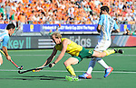 The Hague, Netherlands, June 13: Aran Zalewski #17 of Australia in action during the field hockey semi-final match (Men) between Australia and Argentina on June 13, 2014 during the World Cup 2014 at Kyocera Stadium in The Hague, Netherlands. Final score 5-1 (3-0)  (Photo by Dirk Markgraf / www.265-images.com) *** Local caption ***